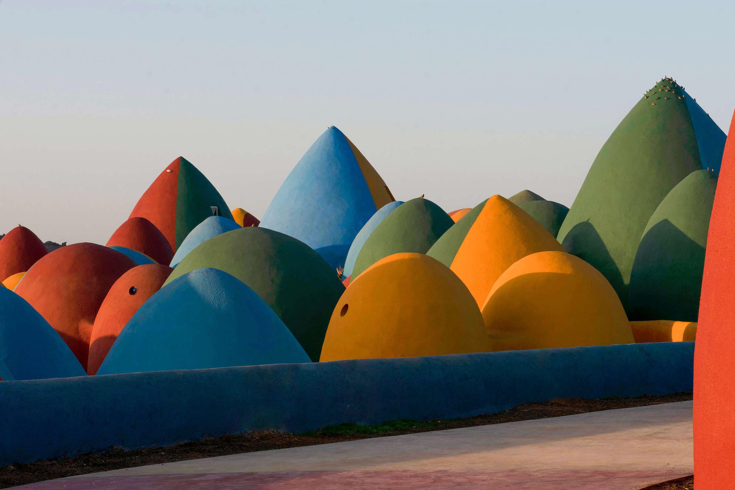 ალიზის ფერადი ქოხები ირანში – ZAV Architects-ის შედევრი