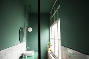 მწვანე ბინა ლონდონის ბაღთან – R312 architects-სა და Auki-ის კოლაბორაციით შექმნილი ინტერიერი