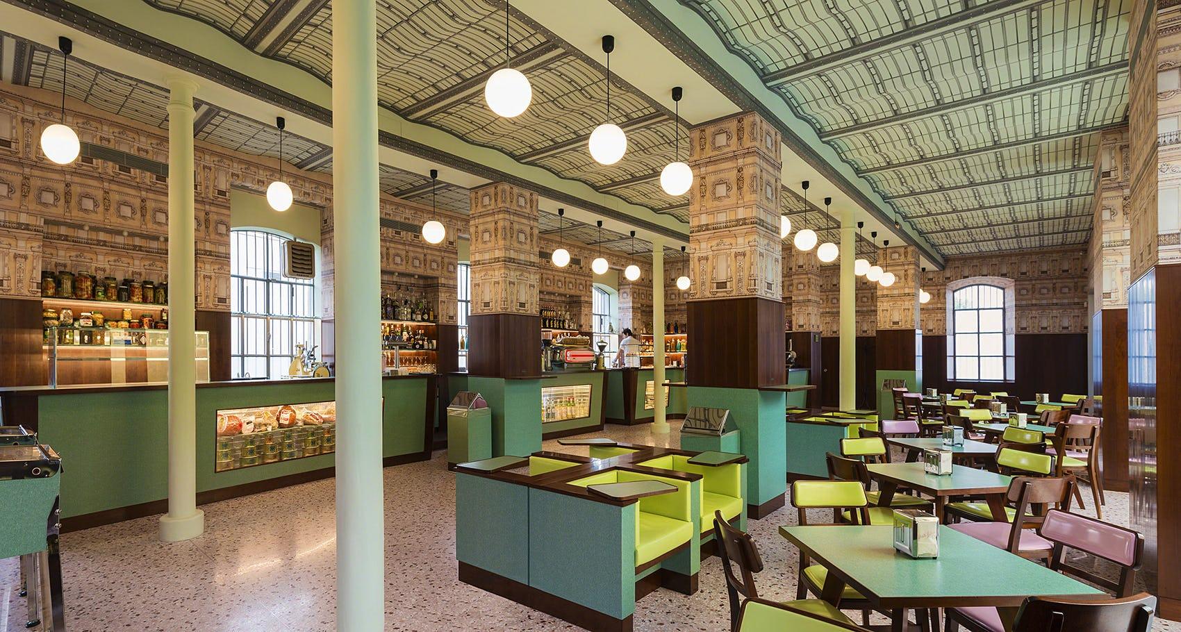 """""""Bar Luce"""" – უეს ანდერსონის დიზაინით შექმნილი კაფე """"პრადასთვის"""""""